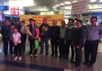 Mục sư Nguyễn Công Chính và gia đình đến Mỹ sống lưu vong