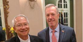 Đại sứ Mỹ gặp Giám mục Nguyễn Thái Hợp