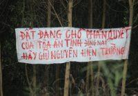 Dân nói bị chính quyền lừa lấy đất