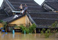 Bão làm gần 50 người thiệt mạng tại Việt Nam, vài ngày trước thượng đỉnh APEC