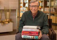 Tỷ phú Bill Gates chọn đọc hai quyển sách do người Việt tị nạn viết