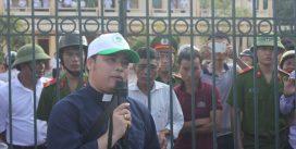 Linh mục Đặng Hữu Nam bị thuyên chuyển chịu sức ép từ chính quyền?