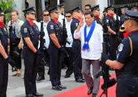 Duterte khẳng định không thể thắng TQ: Nếu muốn, TQ sẽ biến Philippines thành 1 tỉnh